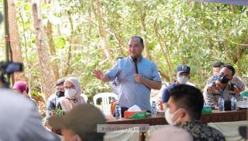 Resmikan Kampung Lebah Madu Teran, Gubernur Erzaldi Juga Sampaikan Bantuan