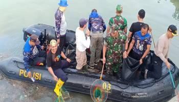 Ribuan Masyarakat Pangkalpinang Gotong Royong Bersihkan Sungai Rangkui