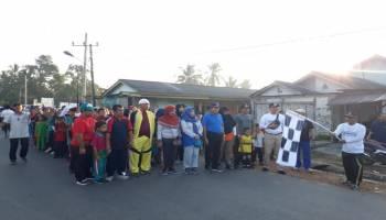 Ribuan Warga Simpang Katis Meriahkan Jalan Santai Bareng Bupati Ibnu Saleh