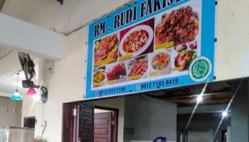 RM Rudi Fakistan, Menu Seafood Segar Bisa Pilih Langsung