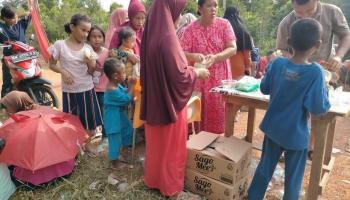 Sago Mee Ikut Meriahkan Pesta Adat Nirok di Desa Kayu Besi