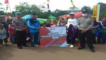 Sahabat JCA Bagi-Bagi Masker dan Bendera Gratis