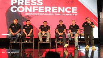 Sambil Terus Optimalisasi Jaringan di Jalan Utama dan Jalur Tol, Tahun Ini Telkomsel Serahkan Takjil 24 Ton Kurma