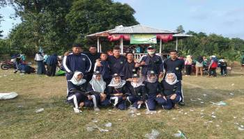 Sambut HUT RI, Mahasiswa KKN STKIP MBB Gelar Jalan dan Senam Sehat