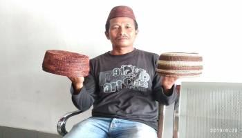 Samsudin, Sang Penjual Peci Resam yang Peduli Budaya Bangka