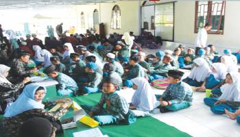 Santri TKA/TPA Kecamatan Simpang Katis Ikuti Munaqosyah