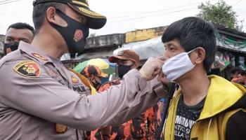 Sebanyak 33.800 Masker Dibagikan, Kapolres Pangkalpinang: Ada Sanksi Hukum Bagi Pelanggar Prokes