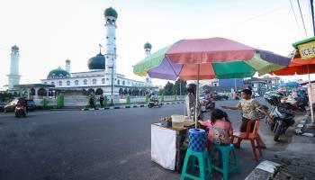 Semarak Bulan Suci Ramadhan di Pangkalpinang, Berkah Bagi Pedagang Takjil