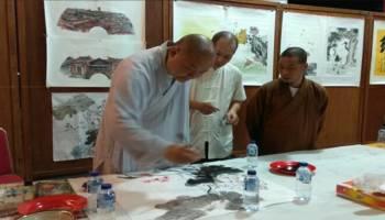 Seniman Asal Tiongkok Pamerkan Karyanya di Puri Tri Agung