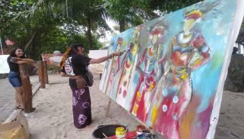 Seniman Luar Berpartisipasi Unjuk Kebolehan Melukis di Bangka Culture Wave