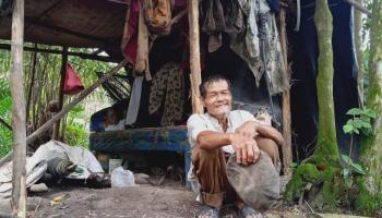 Seorang Warga Desa Kayu Arang Babar Menolak BLT Kemensos