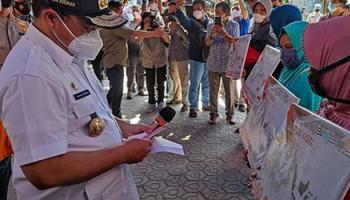 Serahkan BST, Gubernur Erzaldi : Bantuan ini Bersifat Stimulan