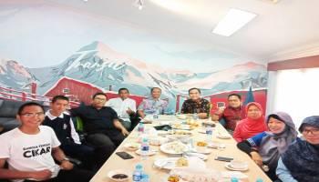 Seru! Reuni SMANSA Lelang Banyak Makanan, Alumni Rebutan Beli