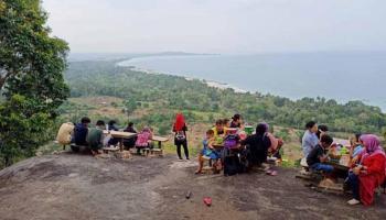 Setelah Celosia Garden Ake, Bukit Pilar Matras Jadi Pilihan Berwisata di Sungailiat