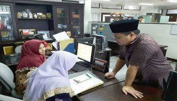 Sidak Hari Pertama Puasa, Gubernur Uji Pegawai Pemprov Baca Al-qur'an