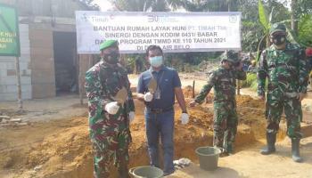 Sinergi PT Timah dan Kodim 0431 Bangka Barat Renovasi Dua Rumah Warga Kecamatan Muntok