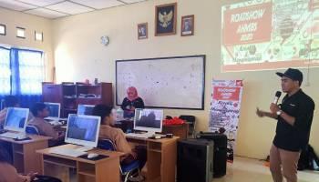 Siswa SMK Bina Karya 2 Muntok Ikut Honda Mengajar dan Sosialisasi AHMBS
