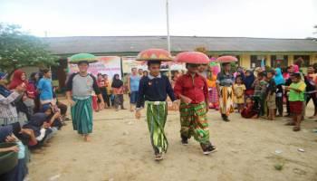 Sosialisasi Pilkada Bangka, Pejabat Desa dan KPU Lomba Junjung Dulang