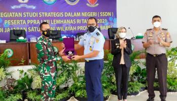SSDN Peserta PPRA LXII Lemhanas RI Kunjungi Makorem 045/Garuda Jaya