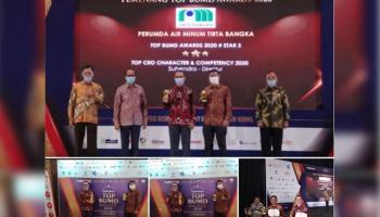 Suhendra Antarkan PDAM Tirta Bangka Raih Penghargaan TOP Awards 2020