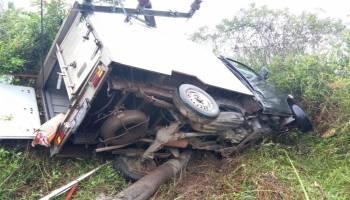 Tabrak Tiang Listrik, Penumpang Mobil Box Tewas di Tempat