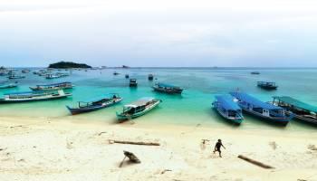 Tanjung Kelayang Menuju Pusat Wisata Belitung