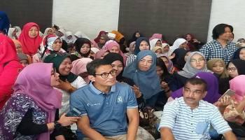 "Tiba di Pulau Bangka, Mama Muda ""Mendadak Serbu"" Sandiaga Uno"