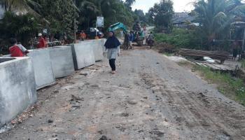 Tiga Hari Usai Diberitakan, Jalan di Penagan Langsung Diperbaiki, Jawarno: Ini Bukti Gubernur Kita Cepat Tanggap