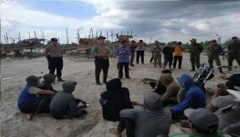 Tim Gabungan Kecamatan Sungai Selan Tertibkan TI Ilegal di Dam Jebol Lampur