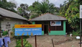 Tim KKN UBB Aktifkan Kembali Perpustakaan di Dusun Labuh