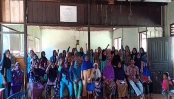 Tim KKN UBB Bantu Kegiatan Posyandu Lansia di Desa Saing