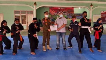 Tingkatkan Kemampuan Atlet Pencak Silat di Kecamatan Belinyu, PT Timah Tbk Bantu Matras untuk IPSI Belinyu