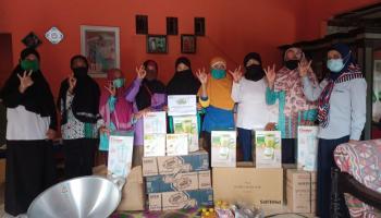 Tingkatkan Produksi Produk Olahan Nanas, PT Timah Bantu Kelompok Tani Nanas Madu