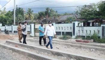 Tinjau Pembangunan Pedestrian, Ketua DPRD Babel Minta Pengawasan Ditingkatkan