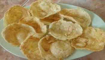 Tips Kesehatan: Benarkah Makan Emping Sebabkan Asam Urat?