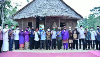 Ungkap Rasa Syukur Hasil Panen, Warga Dusun Aik Abik Gelar Nujuh Jerami