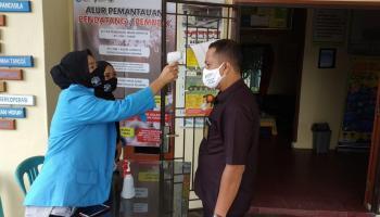 Usir Pandemi Covid-19, Mahasiswa KKN UBB Kacang Pedang Perketat Protokol Kesehatan