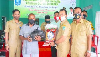 Wakil Bupati Bangka Kembali Salurkan Bantuan Sembako Tahap II Di Mendo Barat