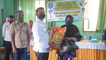 Wakil Bupati Bangka Kembali Salurkan Bantuan Sembako Tahap III