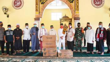 Wakil Bupati Bangka Serahkan Bantuan Empat Unit Kipas Angin kepada Masjid Jabal Nur