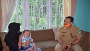 Wakil Bupati Bangka Serahkan Bantuan Serbu Dilanjutkan Cek Posko Gugus Tugas Covid-19 di Merawang