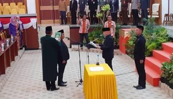Wakil Ketua DPRD Toni Purnama Pimpin Paripurna Pengambilan Sumpah PAW Erwin Asmadi