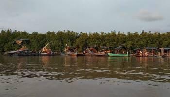 Warga Keluhkan Aktivitas Penambangan Timah di Sungai Layang