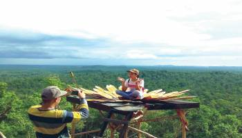 Wisata Bukit  7 Tawarkan Spot Foto Unik