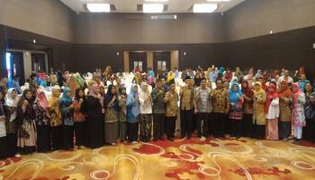 Wujudkan SDM Unggul, Ibnu Saleh Berikan Motivasi Pada Seminar Peran Strategis Guru