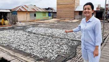 Yuk Rina Ajak Ibu Rumah Tangga Olah Hasil Laut untuk Tingkatkan Penghasilan