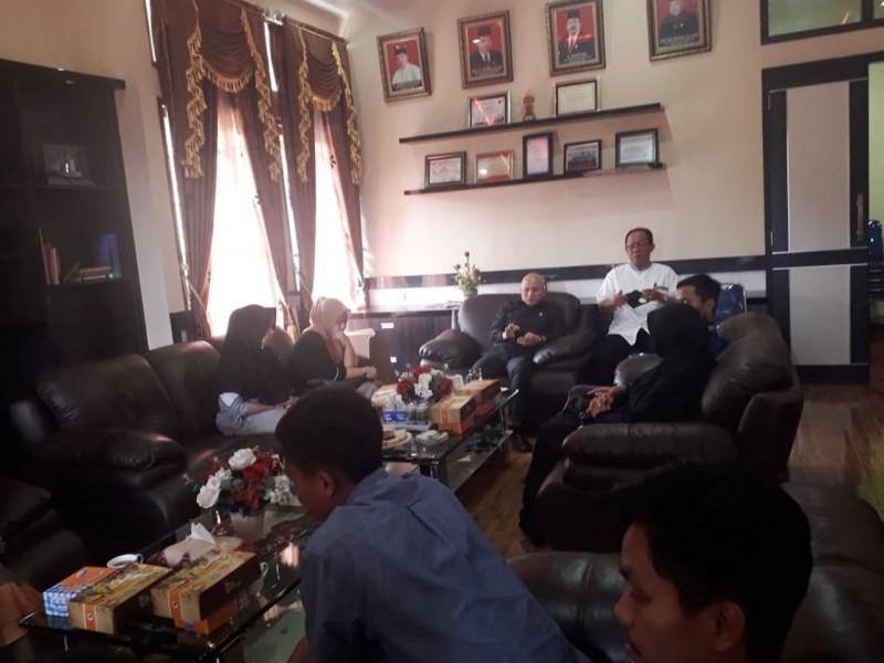Suasana Haru Warnai Pertemuan Ketua DPRD Babel dengan Keluarga Korban Lion Air JT 610