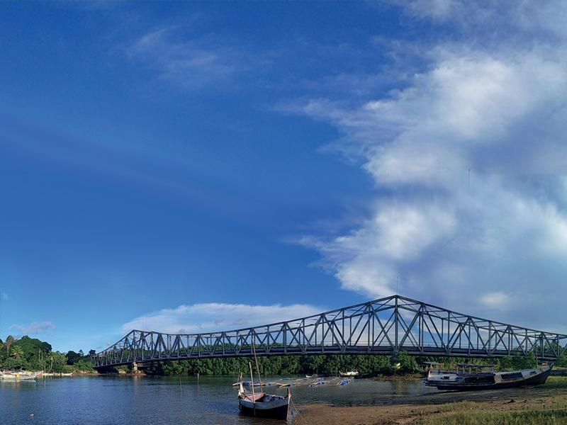 Sungai Padang Dan Taman Desanya Yang Cantik