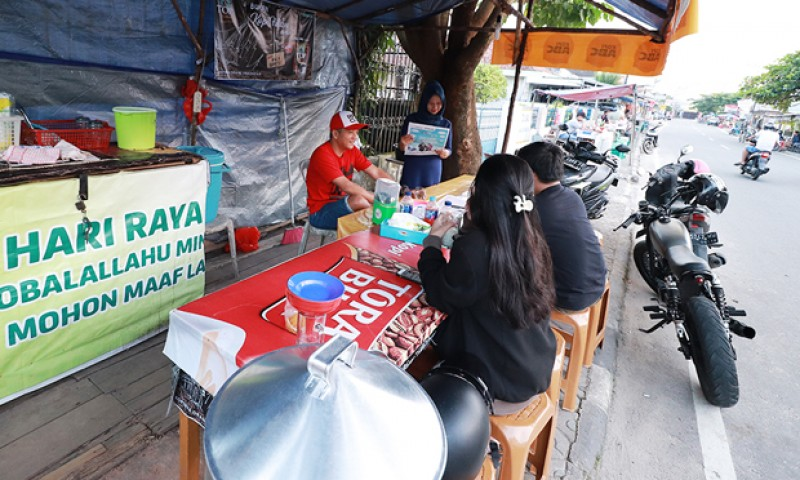 Surga Bagi Penikmat Jajanan Pusat Pedagang Kaki Lima Pinggir Jalan