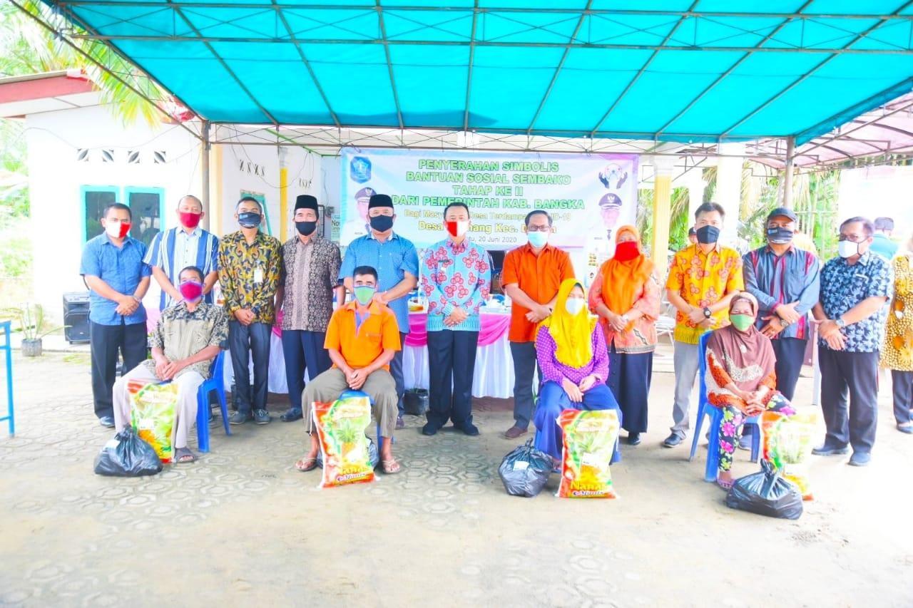 Syahbudin Berikan Paket Sembako Tahap II, Masyarakat Diminta Patuhi Protokol Kesehatan Covid-19